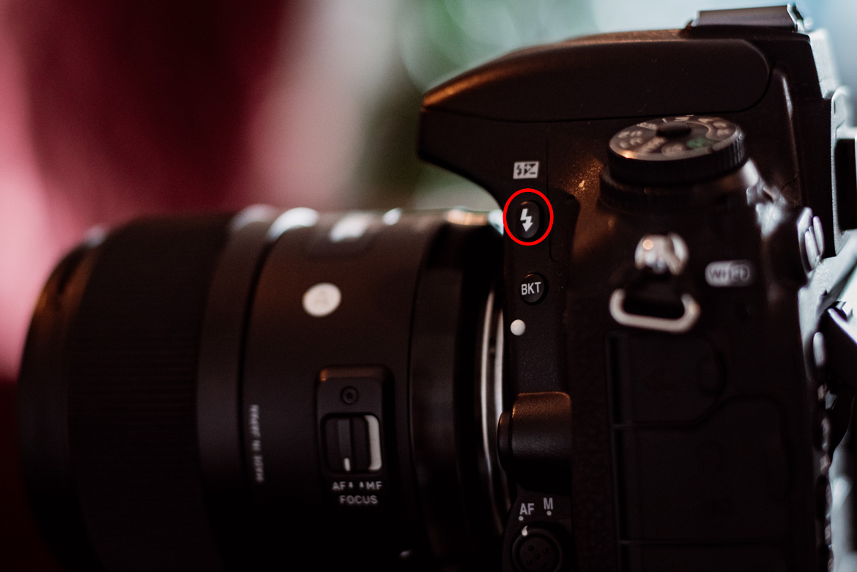 Fotografieren mit Blitz Blitz Knopf Kamera